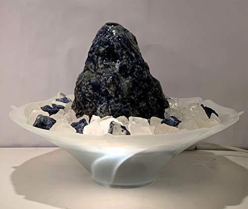 Zimmerbrunnen mit Edelsteinen Delia aus Sodalith mit Mineralien Chips von Trösters Brunnenwelt