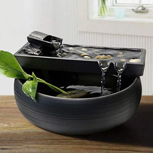 Nebelbrunnen aus schwarzem Keramik mit schlichtem Wasserlauf